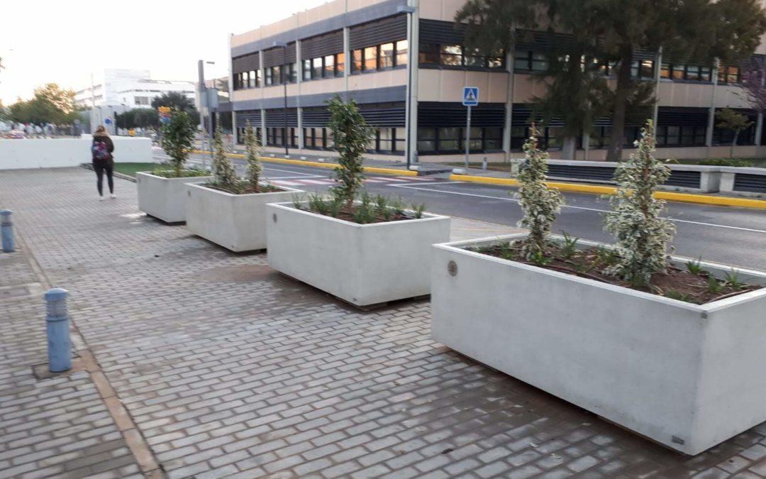 Jardineras de hormigón, modulador temporal de ambientes urbanos